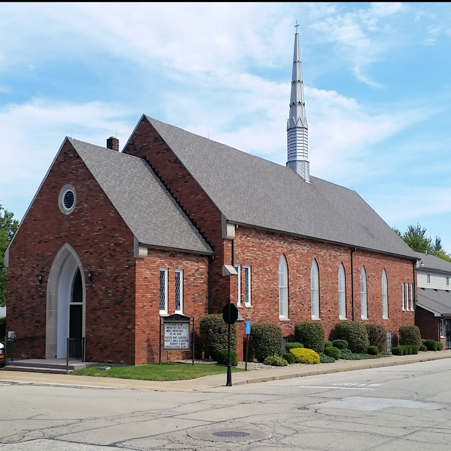 Versailles Baptist Church Building